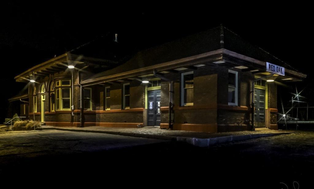 Burlington Northern Depot/WWII Museum